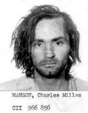charles-mansonbookingphoto_28enlarged29_1971